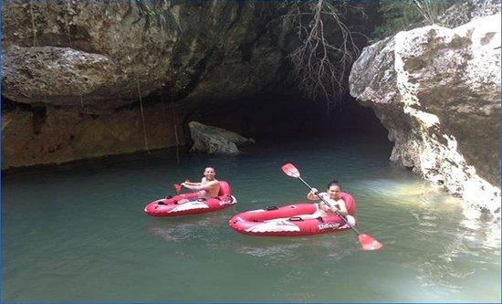 Belize Jungle Trek : expore more cave rafting