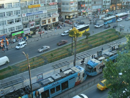 Ramada Istanbul Old City: Vista da rua
