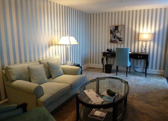 Hotel D'Angleterre: room
