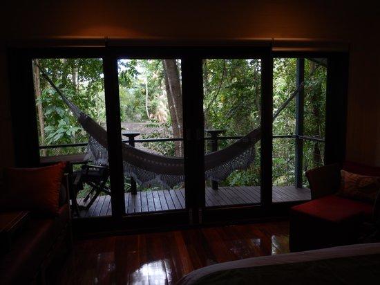 Silky Oaks Lodge : room & balcony
