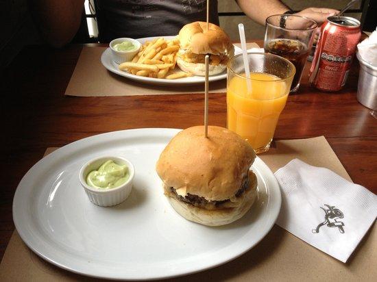 Photo of American Restaurant Meat Chopper at Rua Dos Pinheiros 507, Sao Paulo 05422-010, Brazil