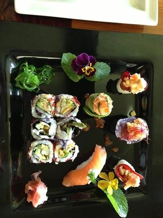 Golden Chopsticks : sushi special by Maitre Chen