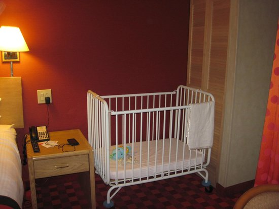 howard johnson anaheim hotel and water playground kids suite portable crib