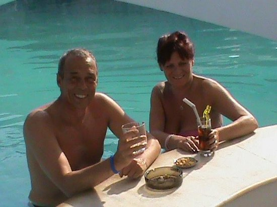 Aeolos Beach Resort Hotel: The pool bar