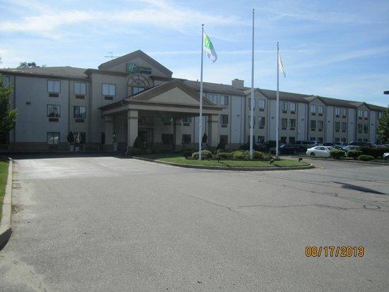 Holiday Inn Express Middletown / Newport: Exterior front