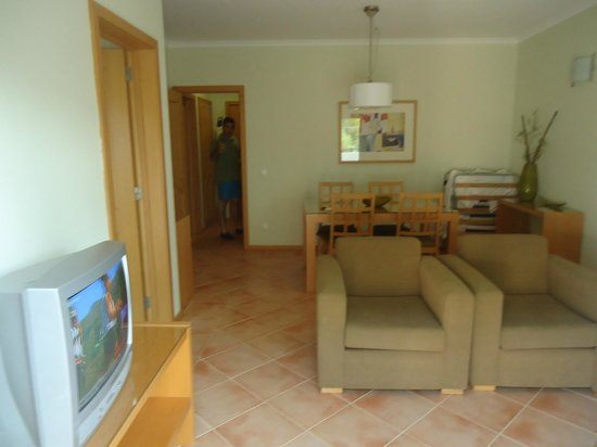 Stella Maris Hotel Apartments: sala