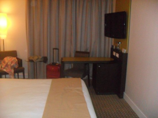 Holiday Inn Paris-Charles De Gaulle Airport: Very comfortable bed