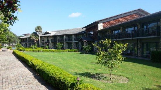Arnold Palmer's Bay Hill Lodge: Chambre côté spa et piscine.