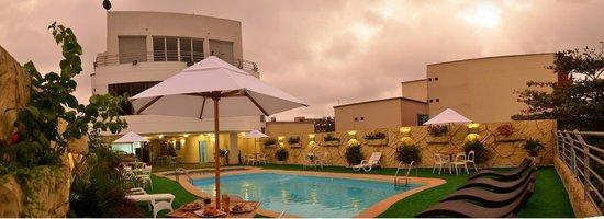 Howard Johnson Hotel Versalles Barranquilla : Pool