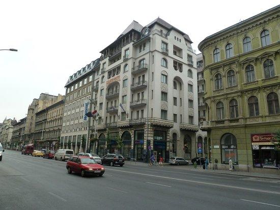Novotel Budapest Centrum: Hotel aan de buitenkant