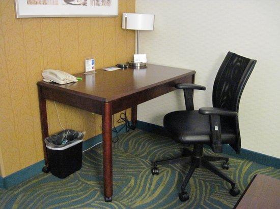 SpringHill Suites Boise: Desk