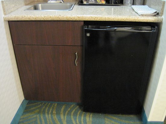 SpringHill Suites Boise: Kitchenette 2