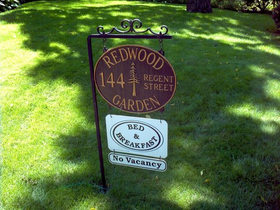 Redwood Garden Bed & Breakfast: Indication