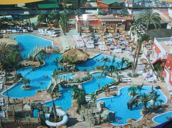 La Marina Camping & Resort: Piscinas