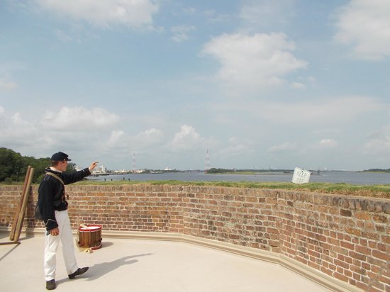 Old Fort Jackson: Pointing out Port Savannah