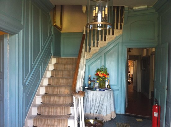 Manor Farm Bed and Breakfast: The hallway