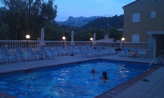 Hotel Eden Nord: Pool area just after sunset