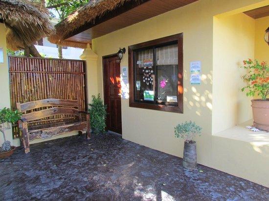 Palm Breeze Villa Boracay Hotel: Reception Area