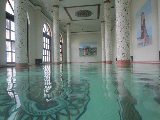 Terme Manzi Hotel & Spa: la piscina della SPA sono stata divinamente, personale splendido sempre disponibile e SORRIDENT