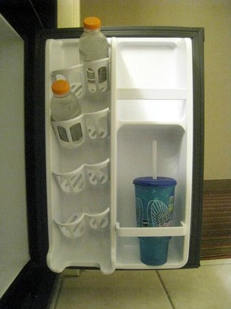Best Western Premier Nicollet Inn: Spacious Refrigerator with built in can & bottle holders