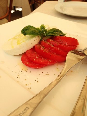 Ristorante all'olivo: Salade Caprese