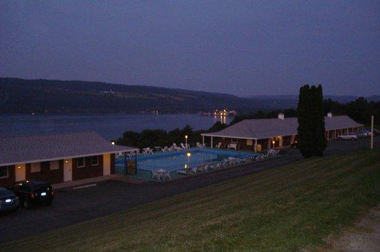 Glen Motor Inn: view from the main hotel