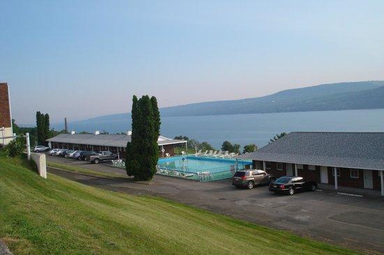 Glen Motor Inn: View from main hotel