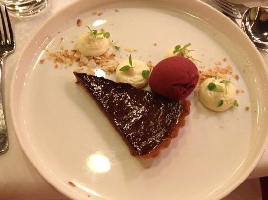 Restaurant Le Garage: Chocoladetaart met Beurre Noisette ijs