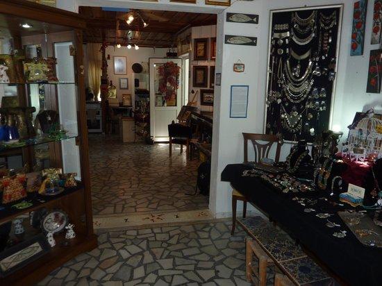 Dalyan Iz Cafe : The Art & Craft Gallery