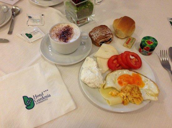 Comfort Hotel Gardenia Sorrento Coast: Petit déjeuner