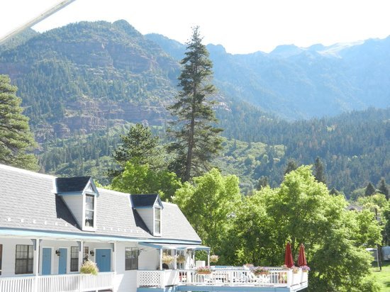 Ouray Victorian Inn : Beautiful Mountain Setting of Our Victorian Inn