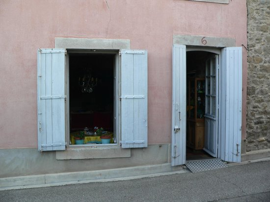 Riverside-Home-Cottage: Hostel entrance, 6 Rue Lamartine,Trèbes