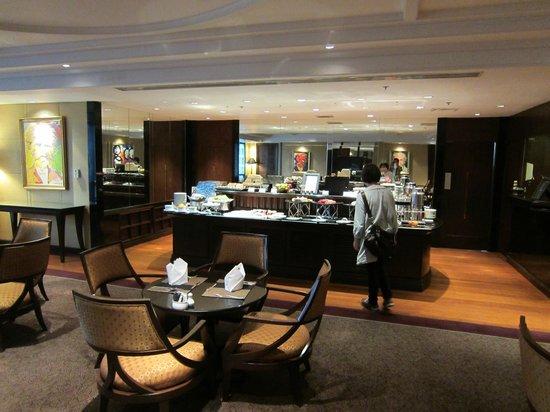 Plaza Athenee Bangkok, A Royal Meridien Hotel: ロイヤルクラブロビー