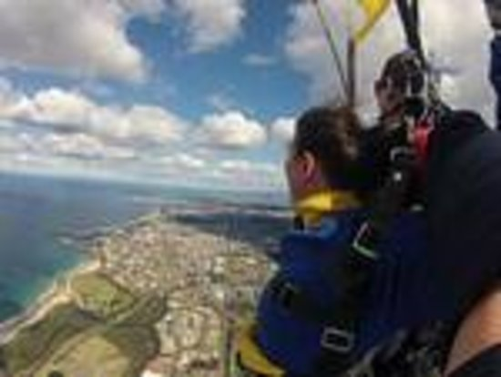 Skydive Sydney-Wollongong: Enjoying the view