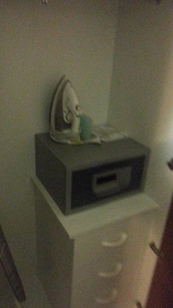 Adina Apartment Hotel Brisbane Anzac Square: more storage