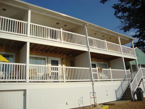 The Naswa Resort: Beachfront room exterior