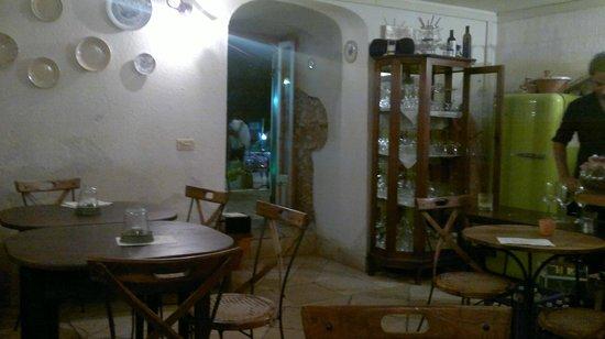 Cantina di Colantonio: Interno del locale