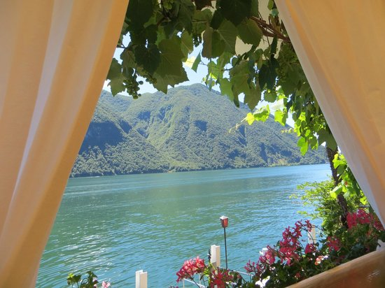 Ristorante Roccabella: View from table overlooking the lake