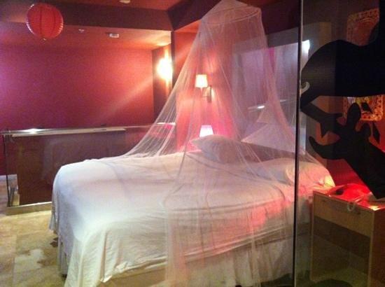 Hotel Aladdin: lit