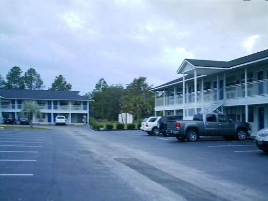 Days Inn Madison : Front view