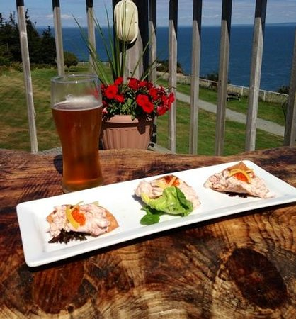 Cape House Restaurant: Lobster Tacos with Picaroons Melon Head Beer!