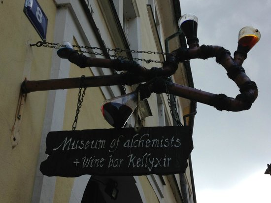 Kellyxir: Located in the same courtyard as the Alchemy Museum