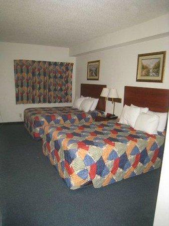 Days Inn Hotel Spencer IA : 2 Double beds