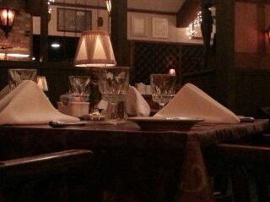 Boars Head Restaurant & Tavern : Mellow Atmosphere