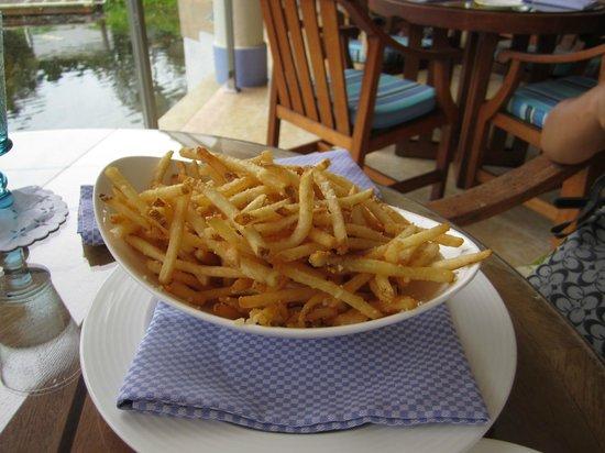 Periwinkle: Parmesan Truffle Fries