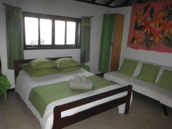 Bora Bora Ecolodge : faré lagon a Anau