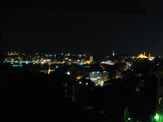 Witt Istanbul Suites: View at night
