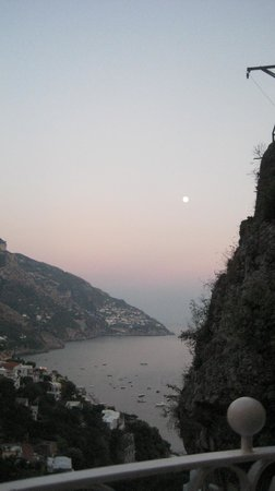 Hotel Posa Posa : view at dinner overlooking the Gulf of Salerno