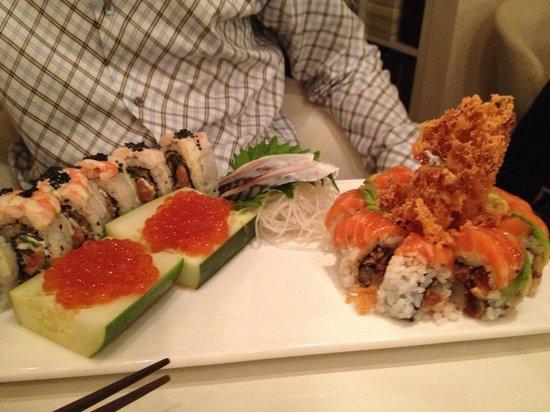 Friends Sushi: Mad maki and salmon zen
