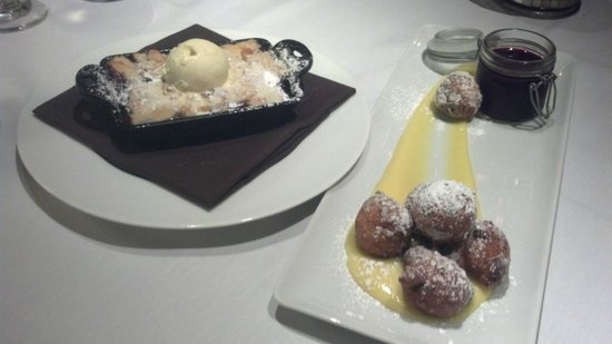 Artisanal Restaurant: Peach and Blackberry Cobbler/Zeppoli doughnuts with lemon curd and blueberry compote